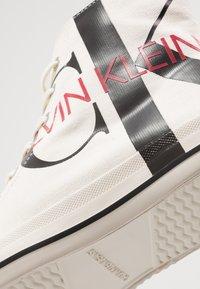 Calvin Klein Jeans - IGLIS - High-top trainers - bright white/black - 5
