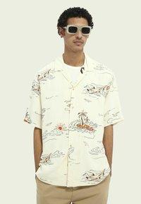 Scotch & Soda - HAWAIIAN  - Shirt - white - 0