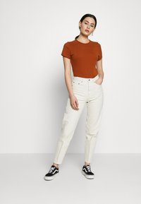 Weekday - LASH - Jeans relaxed fit - white dusty light - 1
