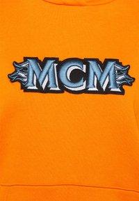 MCM - WOMENS MCM LOGO HOODIE - Hoodie - persimmon orange - 2