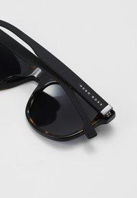 BOSS - Solbriller - dark havana - 3