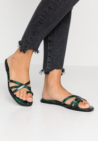 Hot Soles - Sandaler m/ tåsplit - green - 0