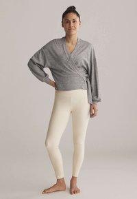 OYSHO - WRAP - Cardigan - light grey - 1