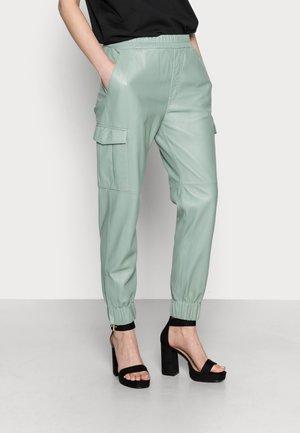 CARGO - Kožené kalhoty - almond