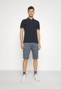 TOM TAILOR DENIM - Shorts - urban medium grey - 1