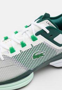 Lacoste Sport - AG-LT 21 ULTRA - All court tennisskor - white/green - 5