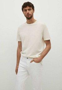 Mango - JAN - Slim fit jeans - blanco - 3