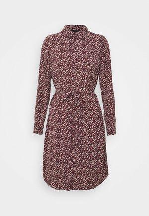 VMSAGA COLLAR SHIRT DRESS  - Košilové šaty - port royale/nalin