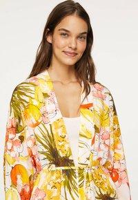OYSHO - Fleece jacket - yellow - 5