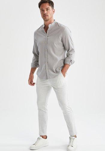 MODERN FIT - Shirt - grey