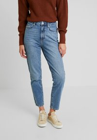 Gina Tricot - DAGNY HIGHWAIST - Relaxed fit jeans - mid blue - 0