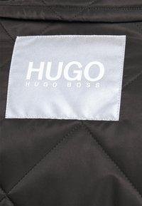 HUGO - FABECCA - Trenchcoat - black - 7