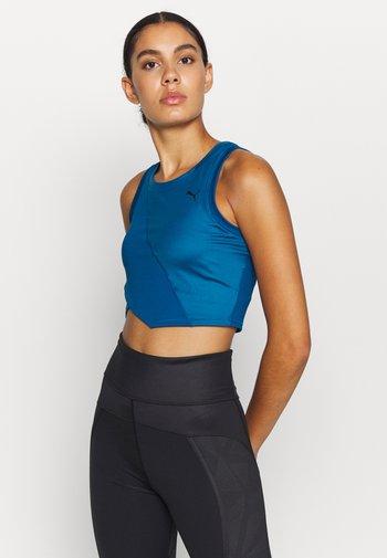 STUDIO CROP - Treningsskjorter - digi blue