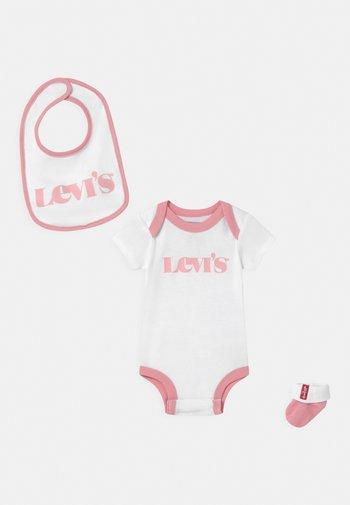 NEW LOGO INFANT SET