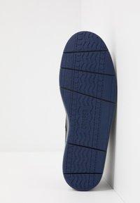 Camper - SMITH - Zapatos con cordones - black - 4