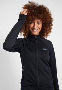 Patagonia - CROSSTREK - Fleece jacket - black - 3