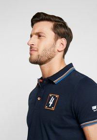TOM TAILOR - DECORATED TEAM - Poloshirts - sky captain blue - 4