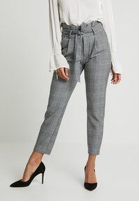 Vero Moda Petite - PAPER BAG CHECK PANT - Trousers - grey/white - 0