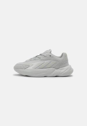 OZELIA UNISEX - Sneakers laag - grey two