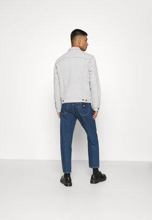THE TRUCKER JACKET - Kurtka jeansowa - pale shade grey