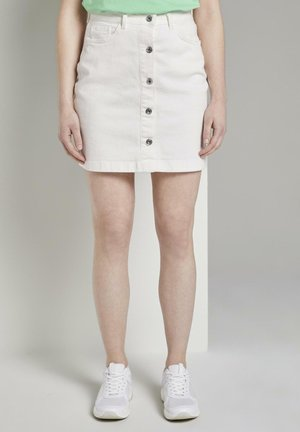 MIT KNOPFLEISTE IN A-LINIE - Denim skirt - white denim