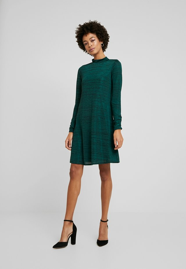 SPACE DYE HIGH NECK SWING DRESS - Sukienka z dżerseju - green