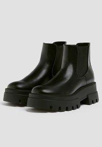 PULL&BEAR - Platform ankle boots - black - 3