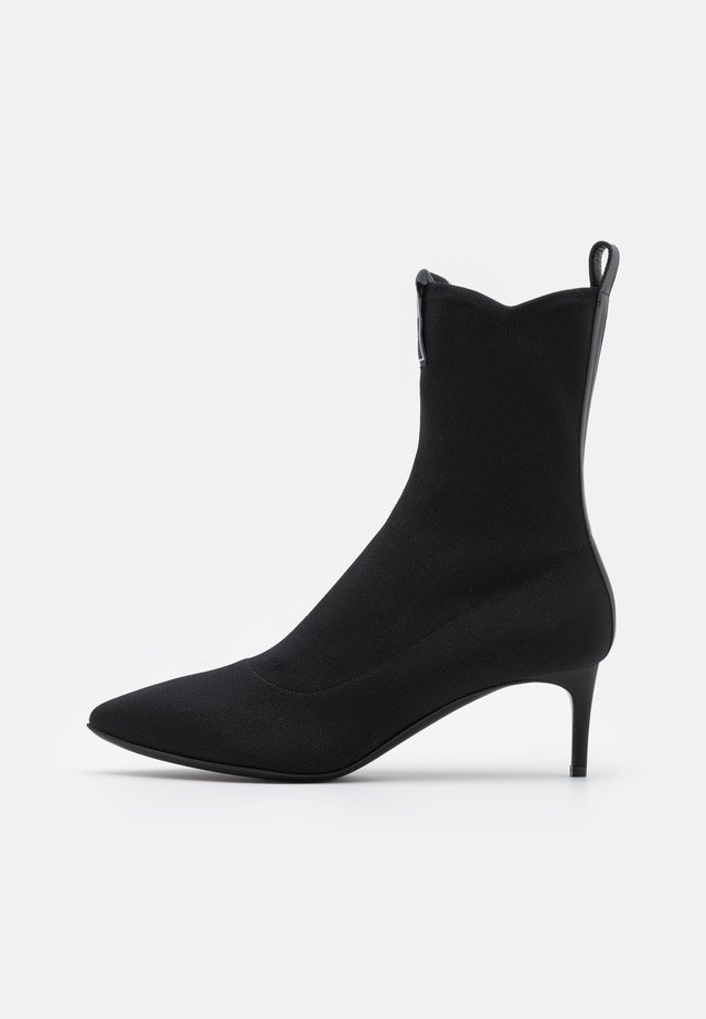Classic ankle boots - fantasy