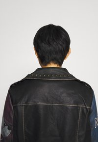 Desigual - CHAQ_COVENT GARDEN MICKEY - Faux leather jacket - black - 4