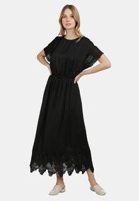 DreiMaster - SATINKLEID - Maxi dress - schwarz - 0