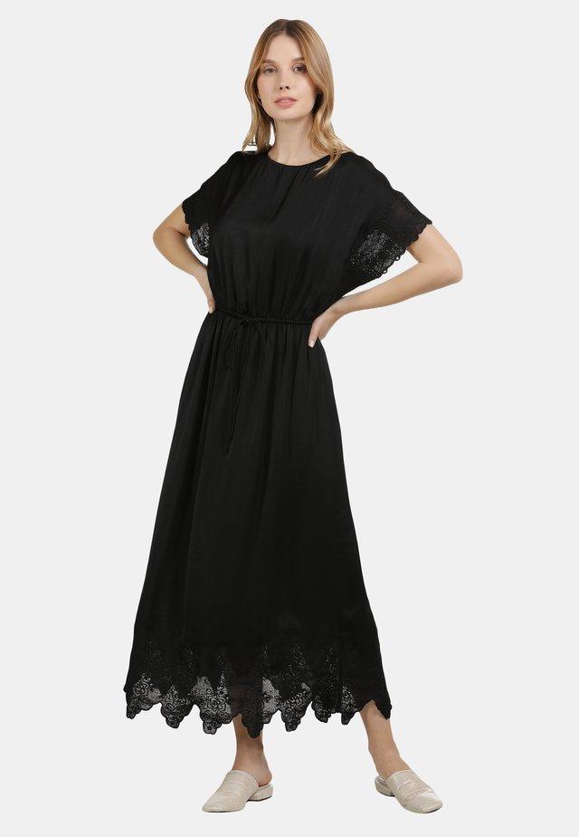 SATINKLEID - Robe longue - schwarz