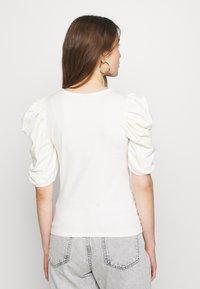 ONLY - ONLEMMA - Print T-shirt - cloud dancer - 2