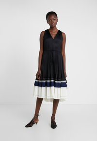 3.1 Phillip Lim - VNECK PLEATED DRESS - Cocktail dress / Party dress - black - 0
