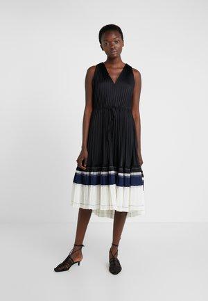 VNECK PLEATED DRESS - Cocktail dress / Party dress - black