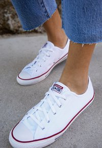 Converse - CHUCK TAYLOR ALL STAR DAINTY BASIC - Trainers - white/black - 4