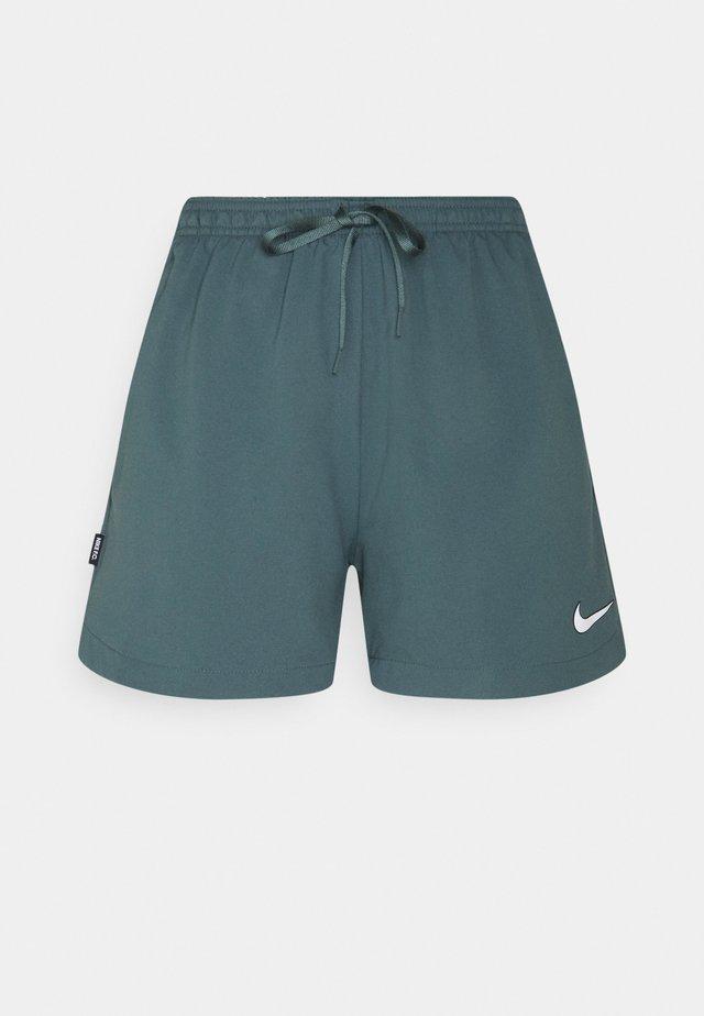 FC SHORT - Sports shorts - hasta/white