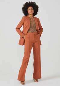 Aaiko - CHANTALLE TWILL VIS 345 - Trousers - toulouse brick - 1