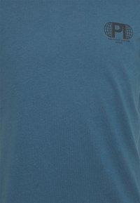 Pier One - T-shirt med print - blue - 5