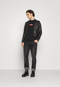 Levi's® - TEE UNISEX - Print T-shirt - black - 1