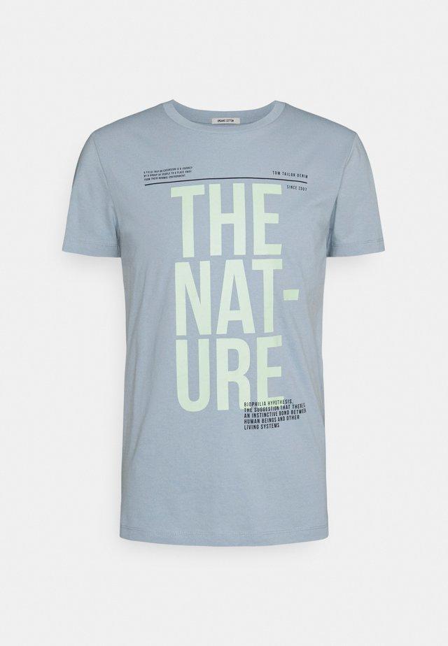 T-shirt print - foggy blue
