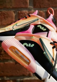 Nike Sportswear - AIR MAX 2090 - Sneakers basse - barely volt/black/atomic pink/pink glow/guava ice/melon tint - 2
