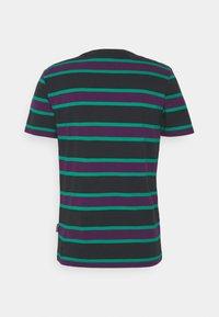 YOURTURN - UNISEX - Print T-shirt - green/purple - 1