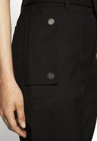 Proenza Schouler White Label - BELTED PANT - Bojówki - black - 8