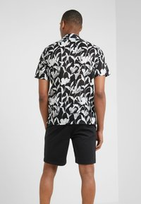 Club Monaco - CLIMBING FLOWER SLIM FIT - Shirt - black - 2
