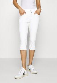 s.Oliver - HOSE - Denim shorts - white denim - 0