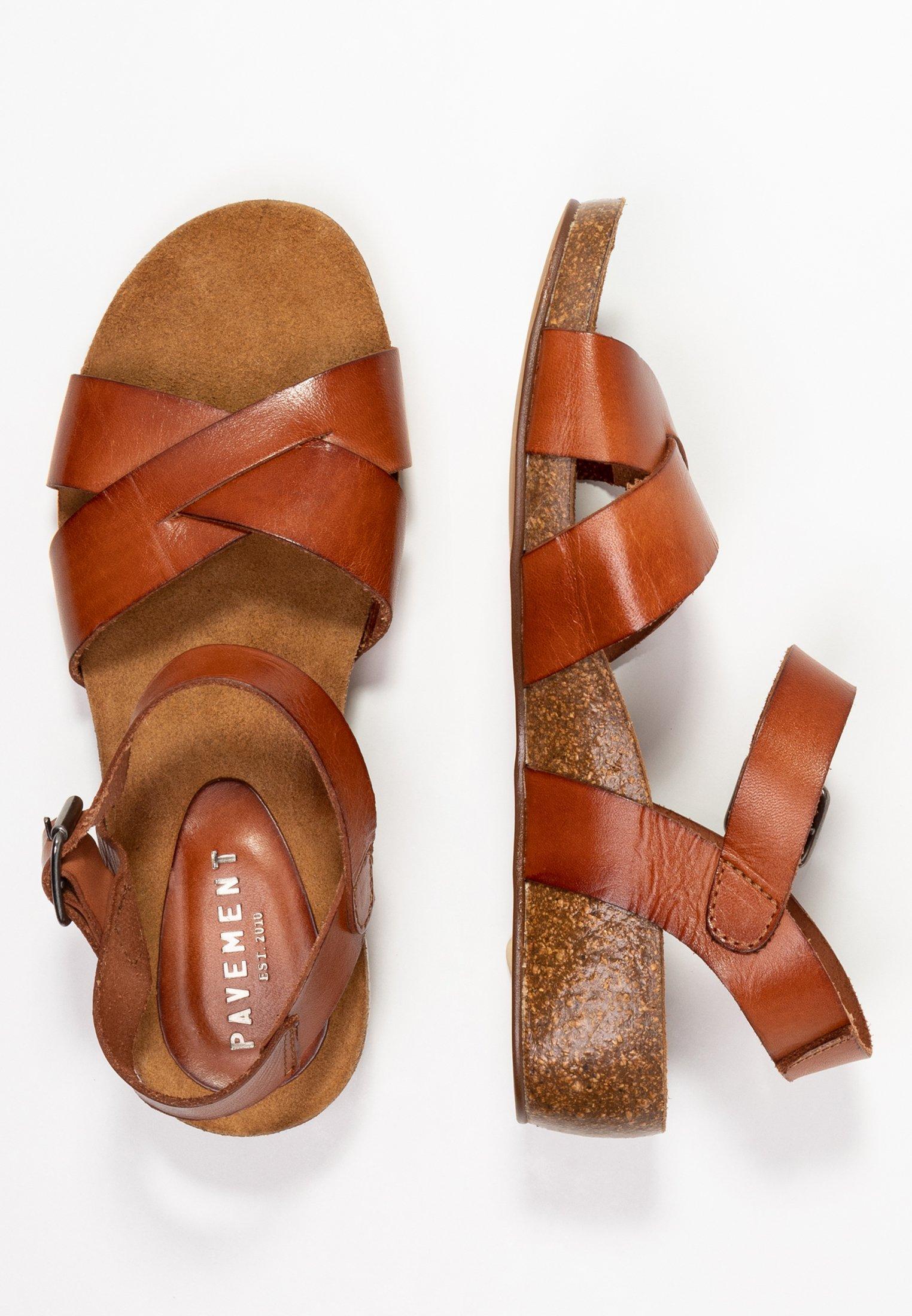 SKYLER Sandaletter med kilklack tan