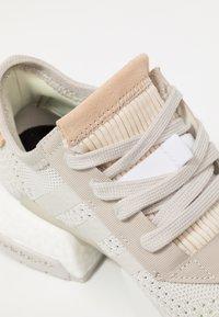 adidas Originals - POD-S3.1 PK - Sneakers laag - raw white/hi-res yellow - 2