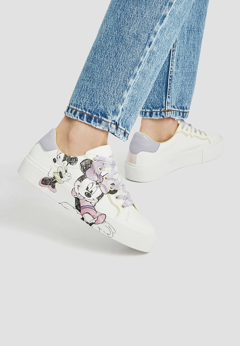 PULL&BEAR - MINNIE MAUS - Sneakers basse - off-white