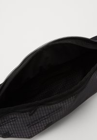 Nike Sportswear - HERITAGE HIP PACK  - Ledvinka - black - 2