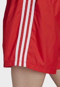 adidas Originals - Shorts - red - 4